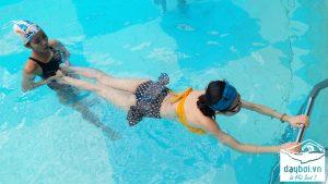 lý do chọn dạy bơi hà nội