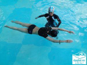 lớp học bơi cơ bản kèm riêng