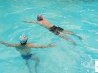 học bơi lội